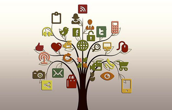stylised tree showing a range of different icons including social media, phones and other networking icons to reflect campaign urls